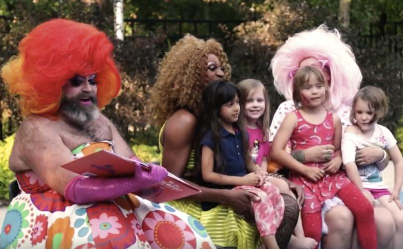 Drag_queen_story_time